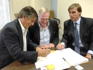 Firma de la compra del Nuevo Anexo uta 202