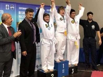 Maestro Jorge Miccolis, Maestro Juan Ancona, Matías Viacava (subcampeón), Gonzalo Viacava (campeón nacional)