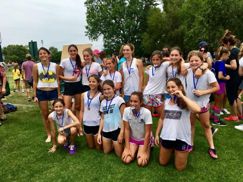 """Equipo Blanco. Campeón categoría mayores. Torneo de Fútbol Femenino """"La Tribu"""" femenino 2017"""